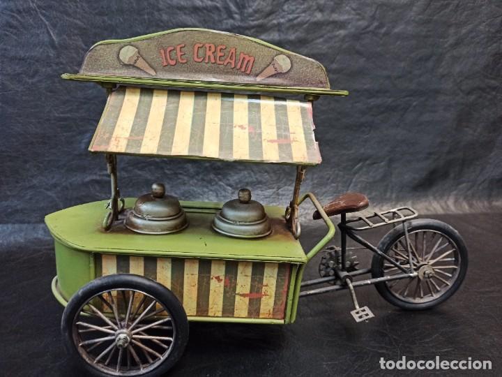 Juguetes antiguos de hojalata: Decorativa bici, carrito de helados. Hucha. V3 - Foto 2 - 248953980
