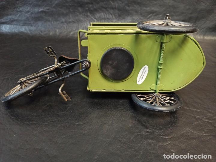 Juguetes antiguos de hojalata: Decorativa bici, carrito de helados. Hucha. V3 - Foto 5 - 248953980