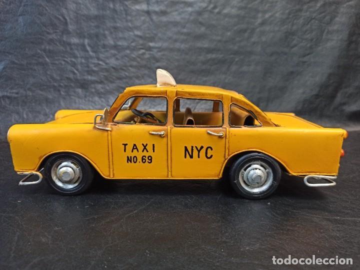 Juguetes antiguos de hojalata: Decorativo taxi de laton. V3 - Foto 2 - 248954860