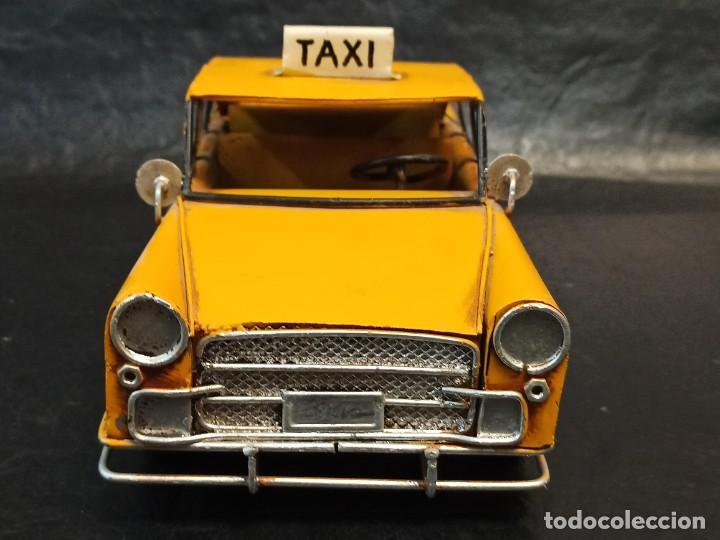 Juguetes antiguos de hojalata: Decorativo taxi de laton. V3 - Foto 4 - 248954860