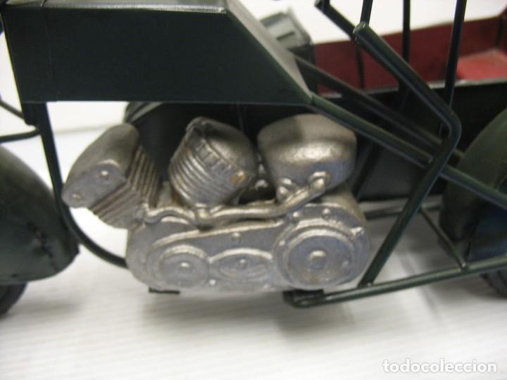 Juguetes antiguos de hojalata: moto con sidecar vintage - Foto 4 - 251370115