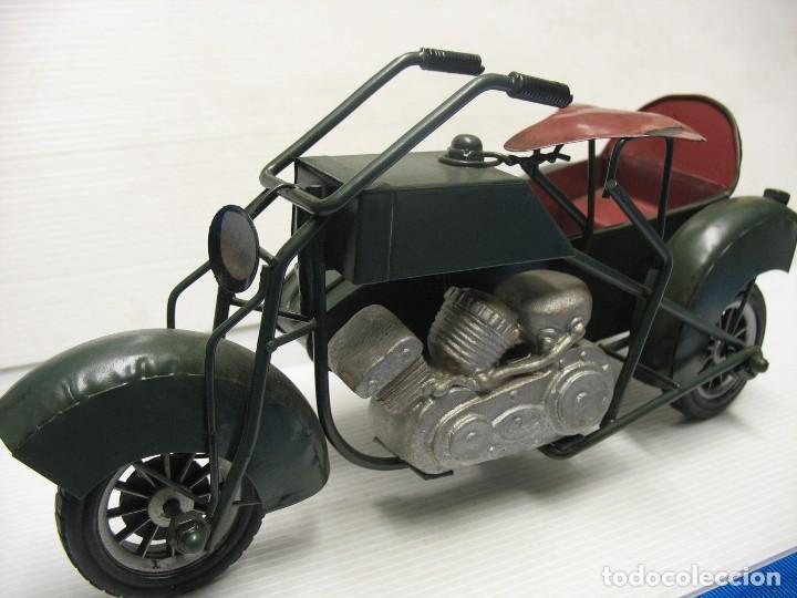 Juguetes antiguos de hojalata: moto con sidecar vintage - Foto 6 - 251370115