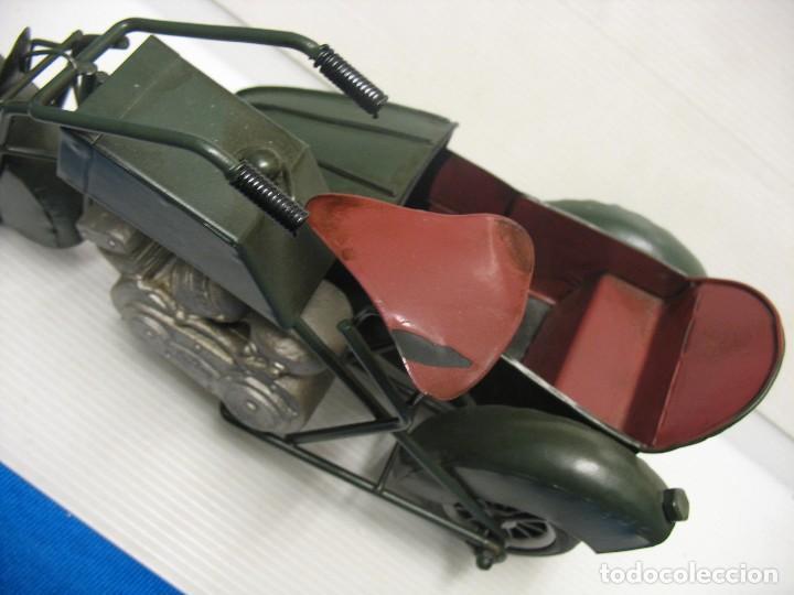 Juguetes antiguos de hojalata: moto con sidecar vintage - Foto 7 - 251370115