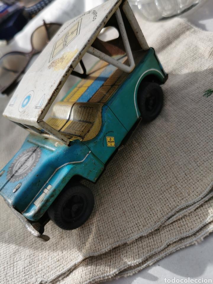 Juguetes antiguos de hojalata: Coche jeep hojalata Guardia Civil agrupación de tráfico payva ibi - Foto 2 - 252172660