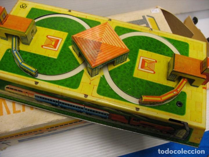 Juguetes antiguos de hojalata: juguete muy viejo funcionando - Foto 4 - 254959735