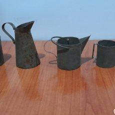 Juguetes antiguos de hojalata: LOTE ANTIGUOS JUGUETES EN MINIATURA DE HOJALATA PARA CASA DE MUÑECAS. VER FOTOS.. Lote 257322780