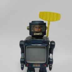 Juguetes antiguos de hojalata: ROBOT SPACE EXPLORER - MADE IN JAPAN, AÑOS 60/70, FUNCIONANDO, TAL Y COMO SE VE EN LAS FOTOGRAFIAS. Lote 261660250