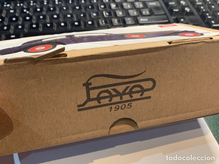 Juguetes antiguos de hojalata: Coche Epoca PAYA - Limusina - juguete hojalata nuevo - reproducción en su caja original- - Foto 14 - 263226535