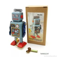 Juguetes antiguos de hojalata: ROBOT DE HOJALATA. Lote 266714488