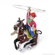Juguetes antiguos de hojalata: COWBOY DE HOJALATA. Lote 266723233