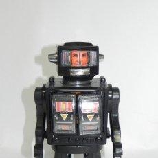 Juguetes antiguos de hojalata: ROBOT SUPER MOON EXPLORER, MADE IN HONG KONG, AÑOS 70, MIDE 28 CMS ALTO. FUNCIONA EL SONIDO Y LA LUZ. Lote 268585724