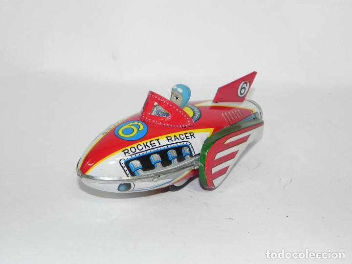 Juguetes antiguos de hojalata: Antiguo cohete de hojalata litografiada a friccion. Space rocket racer. Muy bien conservado. Origina - Foto 5 - 268586659
