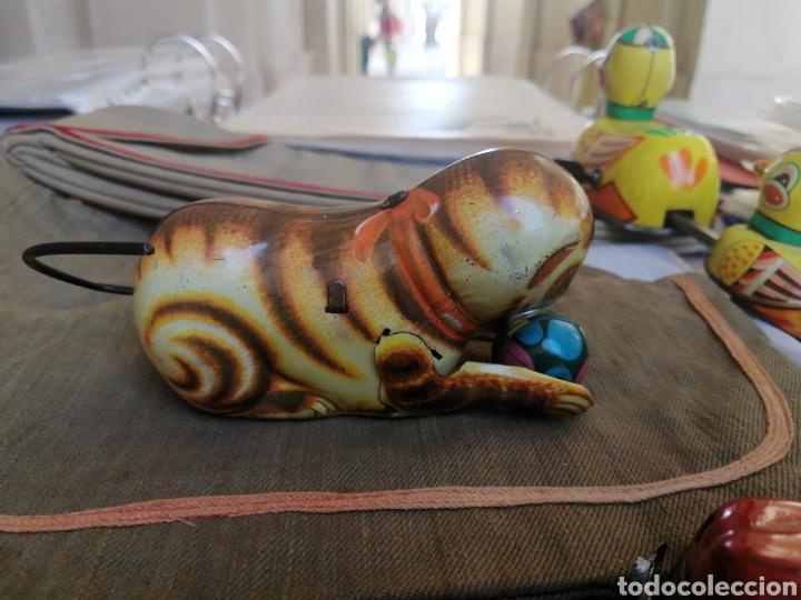 Juguetes antiguos de hojalata: Gato juguete a cuerda años 60 - Foto 2 - 268929124