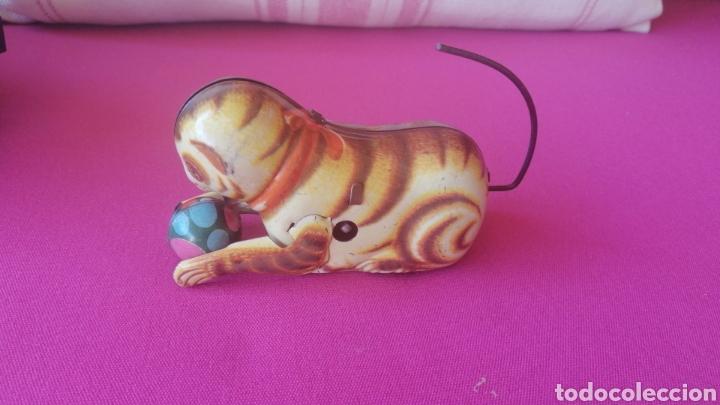 Juguetes antiguos de hojalata: Gato juguete a cuerda años 60 - Foto 4 - 268929124