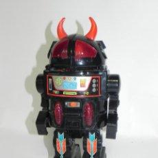 Juguetes antiguos de hojalata: ROBOT MIKE MADE IN TAIWAN, SPACE TOY, FUNCIONA EL MOVIMIENTO Y LAS LUCES, MIDE 26 CMS.. Lote 269184638
