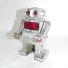 Juguetes antiguos de hojalata: ROBOT IMCO, MADE IN HONG KONG, SPACE TOY, A CUERDA, FUNCIONANDO, AÑOS 60 / 70, MIDE 14 CMS.. Lote 269187634