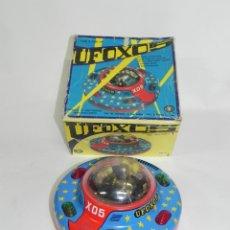 Juguetes antiguos de hojalata: NAVE ESPACIAL DE HOJALATA Y PLASTICO, UFOX 05, X05, TM MADE IN JAPAN, EN SU CAJA ORIGINAL, MIDE 18 C. Lote 269188422