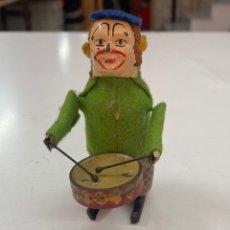 Juguetes antiguos de hojalata: ANTIGUO JUGUETE DE HOJALATA/ MONO TAMBORILERO DE CIRCO/ PP S XX, FUNCIONA. Lote 269219913