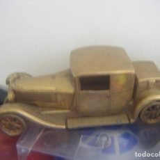 Juguetes antiguos de hojalata: VINTAGE BUGATTI TYPE 44 - 1928 BUGATTI T44 DIECAST BRASS CAR. Lote 269630563