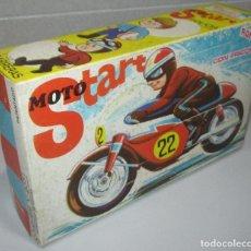 Juguetes antiguos de hojalata: MOTO START DE ROMAN, MOTO DE CARRERAS, HOJALATA, CON CAJA. Lote 269725978