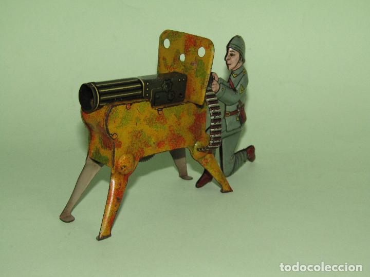 Juguetes antiguos de hojalata: Antiguo Soldado con Ametralladora en Chapa Litografiada Fabricado en Alemania - Año 1930s. - Foto 4 - 275112053