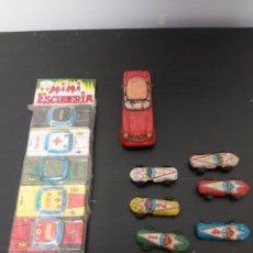 Juguetes antiguos de hojalata: LOTE COCHES HOJALATA TIPO PAYA BLISTER MINI ESCUDERIA AÑOS 70. Lote 276260338