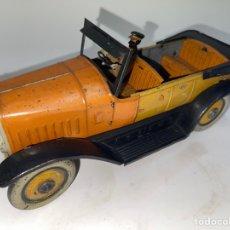 Juguetes antiguos de hojalata: COCHE CON CHOFER. CHARLES ROSSIGNOL. FRANCIA 1920.. Lote 278385673