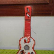 Juguetes antiguos de hojalata: GUITARRA ANTIGUA JAPONESA AÑOS 60-70. Lote 278592783