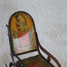 Juguetes antiguos de hojalata: MECEDORA DE HOJALATA LITOGRAFIADA - RICO R.S.A. - 10 CM. ALTO - AÑOS 30. Lote 283307463