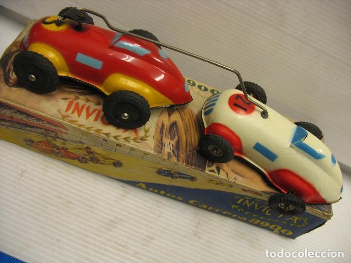 Juguetes antiguos de hojalata: invicta ,coches de carreras años 40 - Foto 2 - 283659698
