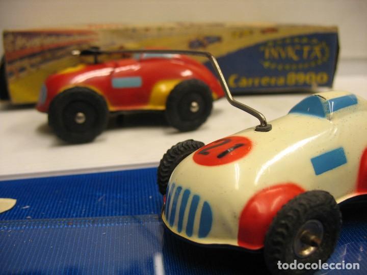 Juguetes antiguos de hojalata: invicta ,coches de carreras años 40 - Foto 10 - 283659698