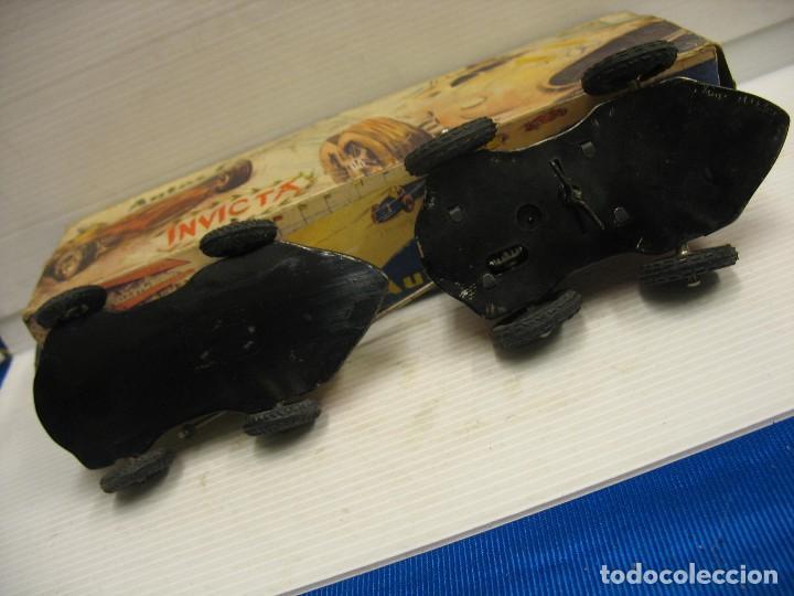 Juguetes antiguos de hojalata: invicta ,coches de carreras años 40 - Foto 16 - 283659698