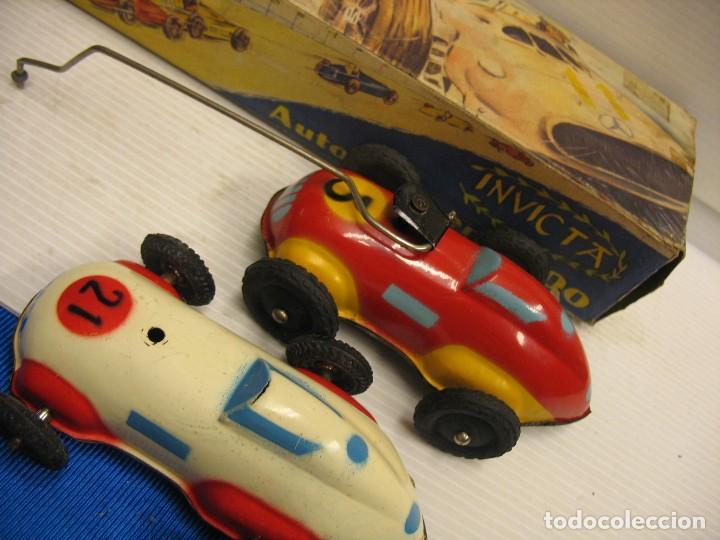 Juguetes antiguos de hojalata: invicta ,coches de carreras años 40 - Foto 20 - 283659698