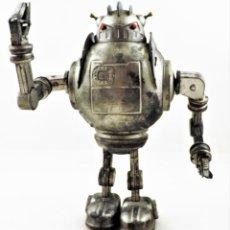 Juguetes antiguos de hojalata: ROBOT A CUERDA ZATHURA (SCHYLLING). Lote 295516578