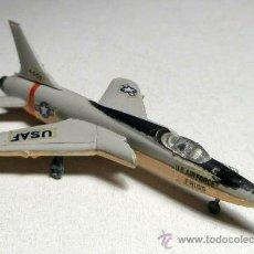 Modelos a escala - AVIÓN CAZA F-105 BACHMANN HONG KONG - 26607743