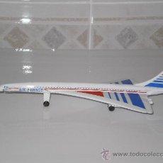 Modelos a escala: AVION CONCORDE EN METAL ( AIR FRANCE ) , 19 CMS . BUENA CONSERVACION , AÑOS 80 .. Lote 176031207