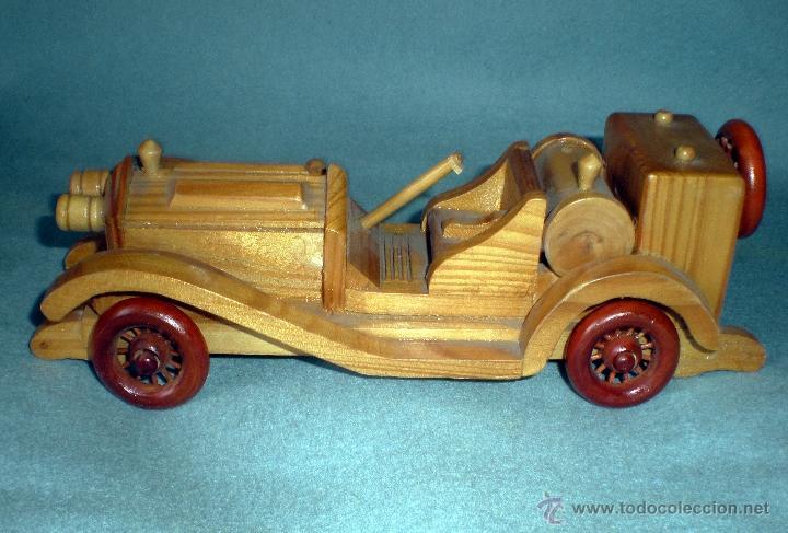 Auto deportivo antiguo en madera tallada y pintado a mano. Marca - sigris - español.. - Alicante - Auto deportivo antiguo en madera tallada y pintado a mano. Marca - sigris - español.. - Alicante