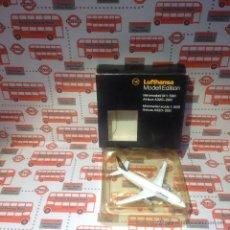 Modelos a escala: AVION BOEING 737-300 MODELL EDITION LUFTHANSA. Lote 52745376