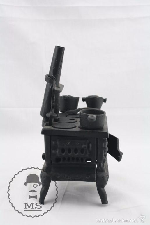 Modelos a escala: Antigua Cocina / Cocinita de Carbón de Juguete - Hierro - Medidas 16 x 11 x 22 cm - Foto 2 - 57150492