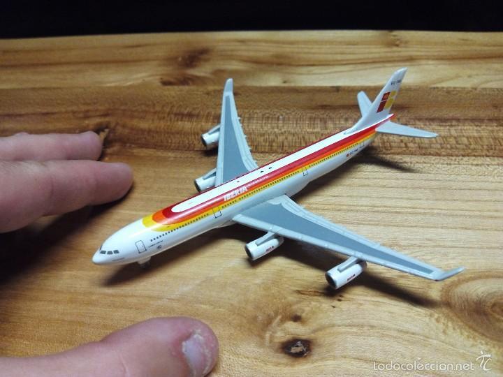 AVION AIRBUS DE IBERIA DE METAL A ESCALA (EC-154) (Juguetes - Modelos a escala)