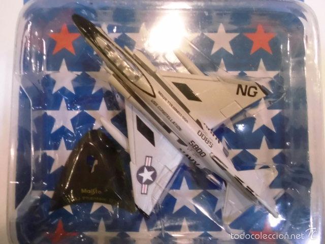 REPLICA AVION DE COMBATE- F-4J PHANTOM II - NUEVO EN CAJA ORIGINAL (Juguetes - Modelos a escala)