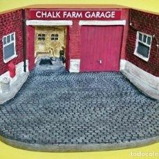 Modelos a escala: ÚNICO EN TC CHALK FARM GARAGE DIORAMA 19X15. Lote 93625395