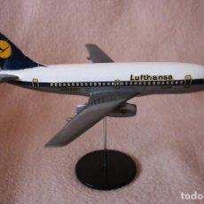 Modelos a escala: MAQUETA AVIÓN BOEING 737-130 LUFTHANSA. Lote 95753599