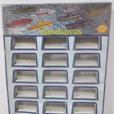 Modelos a escala: ANTIGUO EXPOSITOR MINIATURAS MINI BARCOS DE MIRA. Lote 95757951