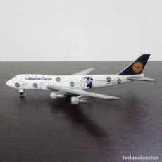 Modelos a escala: AVIÓN REPRODUCCIÓN EN METAL A ESCALA AVIÓN BOEING 747-200 COMPAÑIA LUFTHANSA CARGO. Lote 96016827