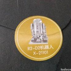 Modèles réduits: MAQUETA PARA MONTAR EN METAL. STAR WARS, ROBOT R2 D2. DE PEQUEÑA ESCALA. PRECINTADO. Lote 96649436