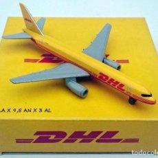 Modelos a escala: RARA ESCASA Y EXCLUSIVA PUBLICIDAD ORIGINAL DHL AVIÓN DE CARGA BOEING 757 ÚNICO EN TC. Lote 98165671