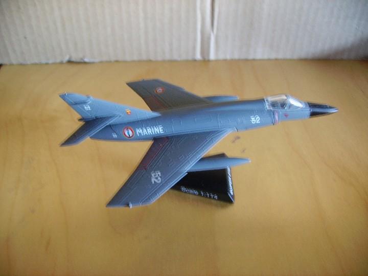 SUPER ETENDARD Jet Marine Aircraft YakAir 1:100 Metallmodell AVION