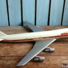 Modelos a escala: ANTIGUA Y GRAN MAQUETA IBERIA, AVIÓN BOEING 747JUMBO PUMERSA. Lote 111455559