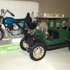 Modelos a escala: COCHE RENAULT Y MOTO NORTON NACORAL.. Lote 114394459